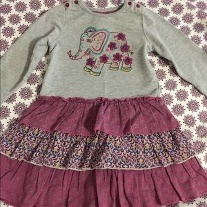 🌸 Elephant outfit. Size 2-3 years.